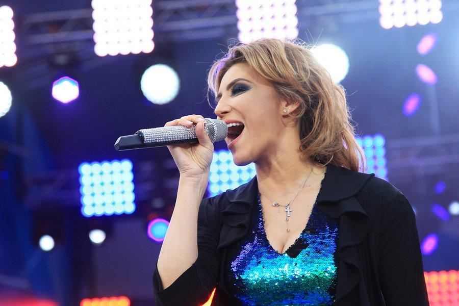 Алина Артц
