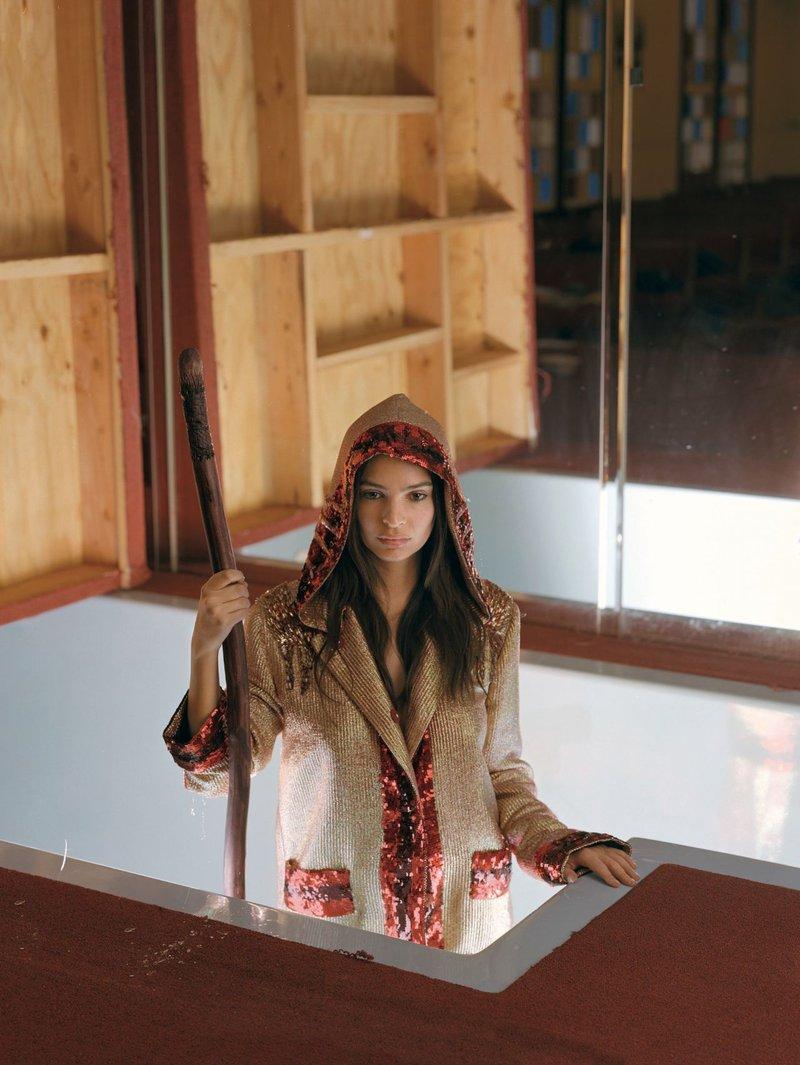 Знойная домохозяйка в халате фото 507-767