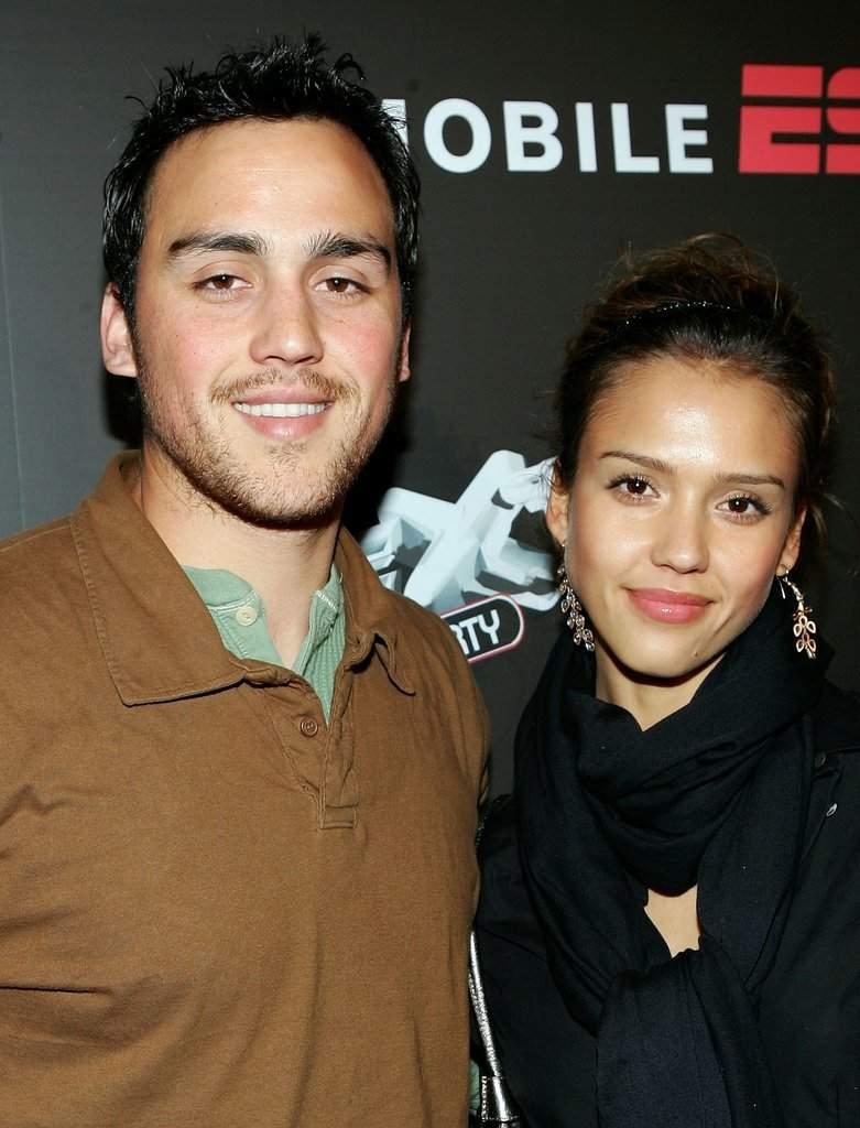 Джошуа и Джессика Альба