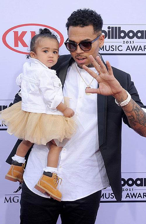 Крис Браунс с дочкой Роялти