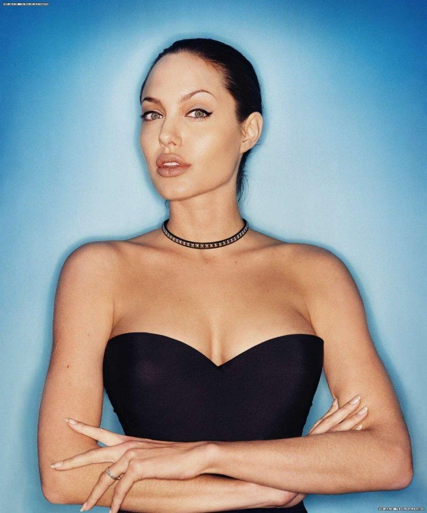 Aaliyah Jolie Nude Photos 19